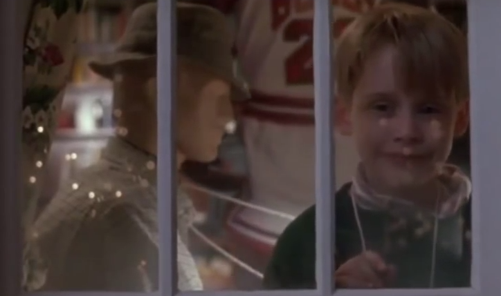 Home Alone mannequins